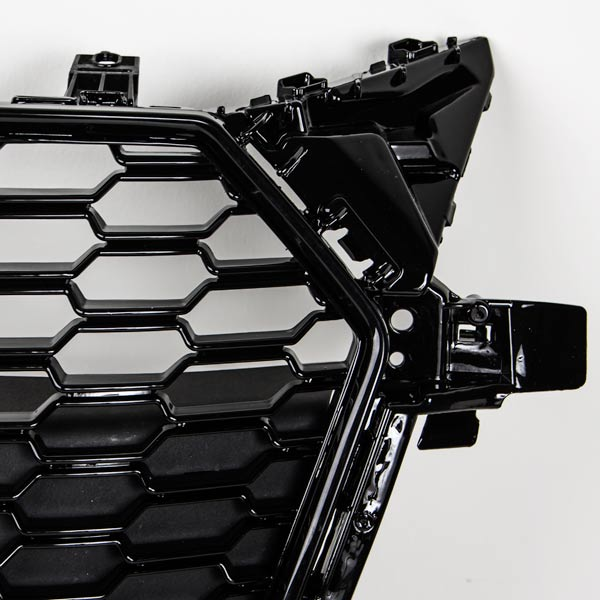 Audi TT 8S Etumaski  2015-