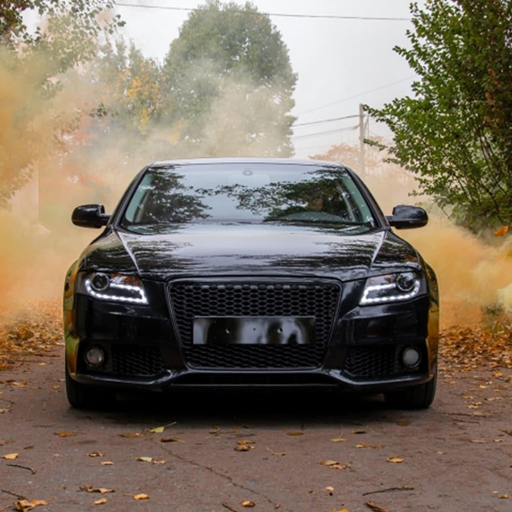 Audi A4 Hunajakenno etumaski kiiltävän Musta