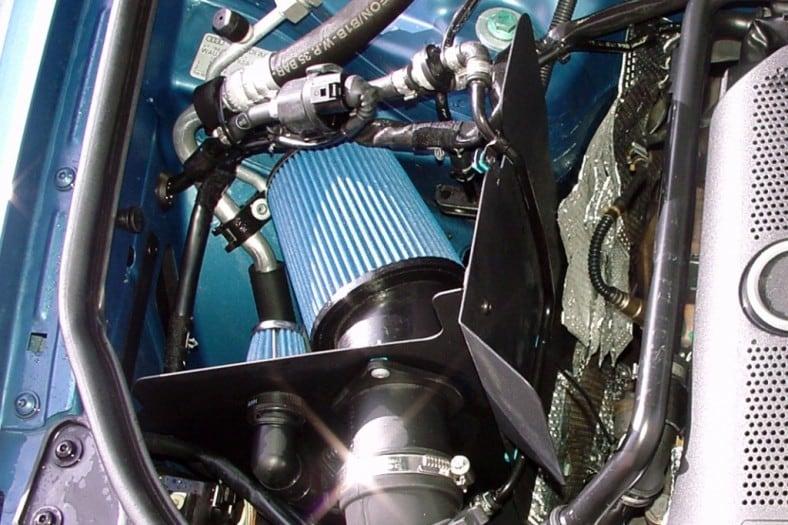 Sport-ilmansuodatin suojakilvellä - Audi