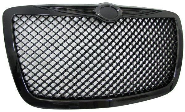 Musta hunajakenno etumaski Chrysler 300C