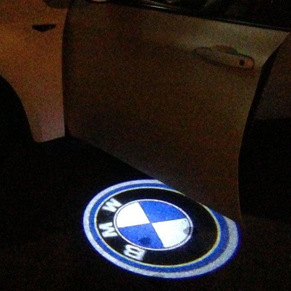 Malliin sovitettu BMW Logo