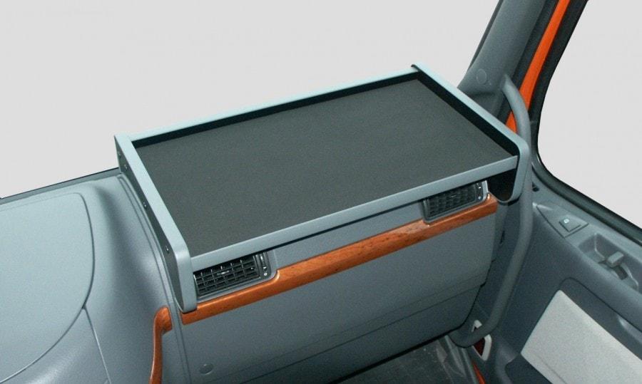Apu Kuljettajanpöytä joka sopii Volvo FH/FM02 Musta V2-3