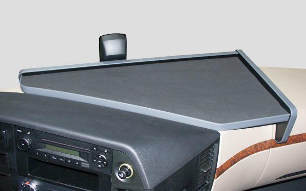 Pöytä joka sopii  MB Actros 12- 2300